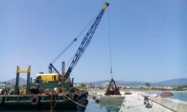 100-tonne Floating Crane and Dredge - Lima 2400