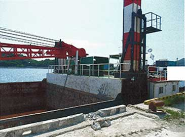 3 m3 Grab Dredger with 832 m3 Hold and Notch Tug
