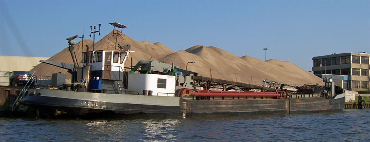 200 m3 Inland Hold Dredger w/Conveyor Offloading